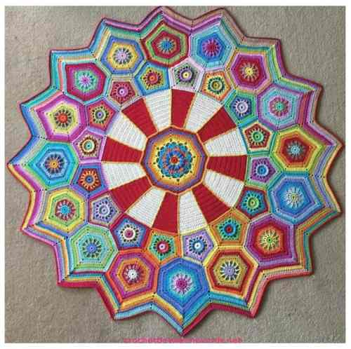 Free Crochet Pattern: Carousel Throw