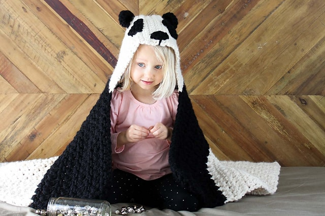 Panda Bear Hug Hooded Blanket Free Crochet Pattern Crochetkim