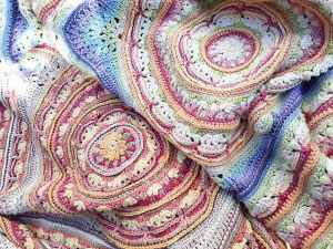 Link Blast: 10 Fabulous Free Crochet Patterns for Mandala Blankets