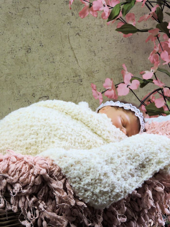 Newborn Stretchy Snuggle Wrap Photo Prop Free Crochet Pattern