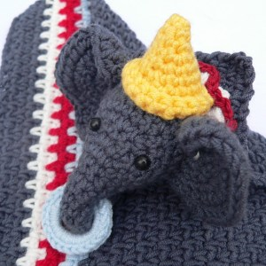 Link Blast: 10 Free Crochet Patterns for Animal Lovey Blankets