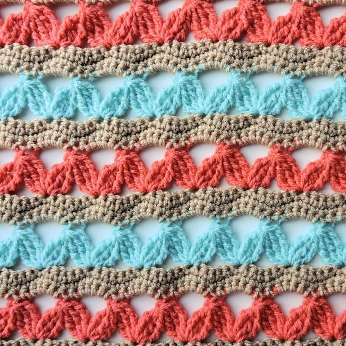Zig Zag Hugs Lap Throw   CrochetKim Free Crochet Pattern