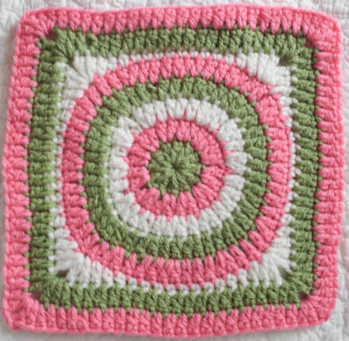 Concentric Circles Granny Square by Marie Segares/Underground Crafter