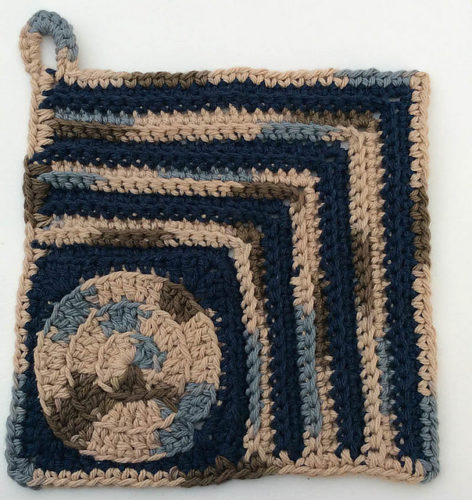 Circle in the Corner Potholder by Marie Segares/Underground Crafter