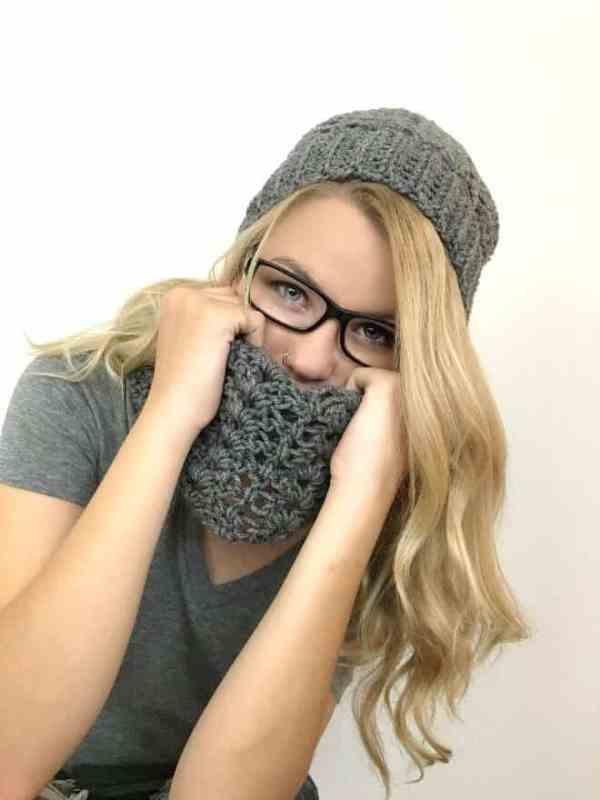 Lace Cowl Crochet Pattern