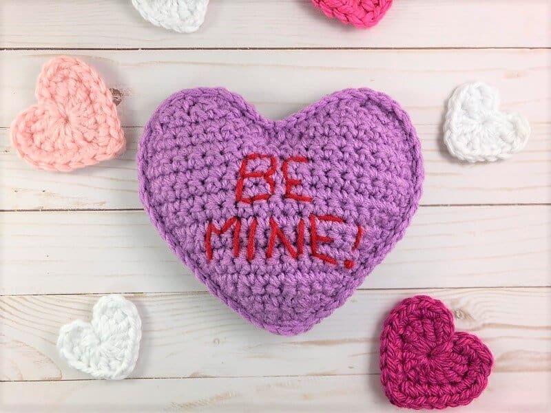 Free crochet pattern conversation hearts crochetpreneur purple conversation heart free crochet pattern dt1010fo