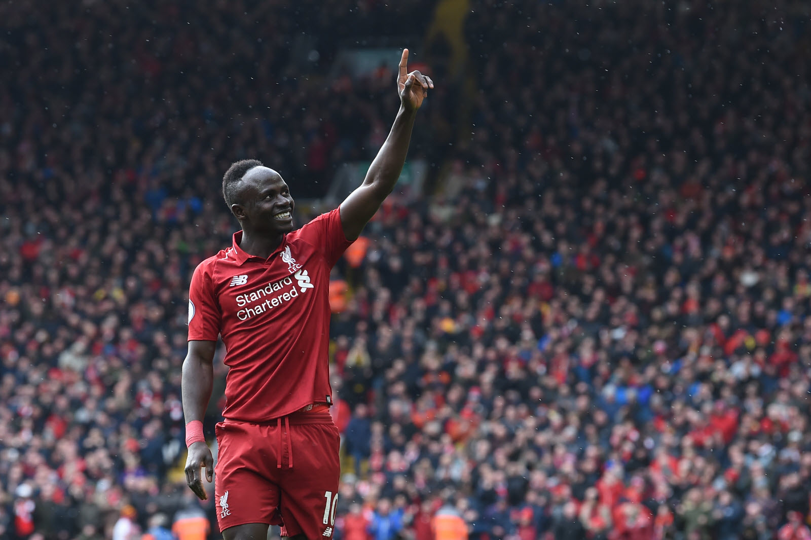 (France Sacré joueur africain 2019)  Rien n'a résisté à Sadio Mané, élu joueur africain de l'année