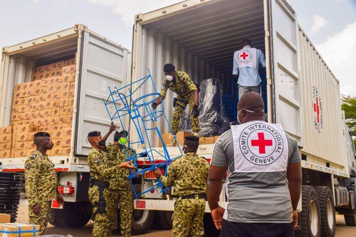 [Côte d'Ivoire Lutte conte le Covid619] Le CICR lance une vaste distribution de matériel dans les 33 prisons ivoiriennes (communiqué)