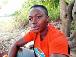 …et Mlle Yéo Soplé Maïmouna forment et assistent les producteurs de riz jusqu'à la récolte. Ph. S.K.