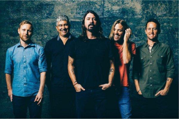 Dave Grohl insinúa que el próximo álbum de Foo Fighters podría ser «un loco disco de rock progresivo»