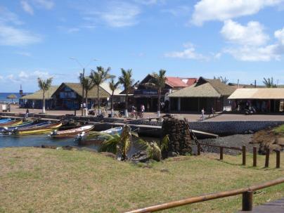 Escale a l Île de Pâques Port de hanga Roa