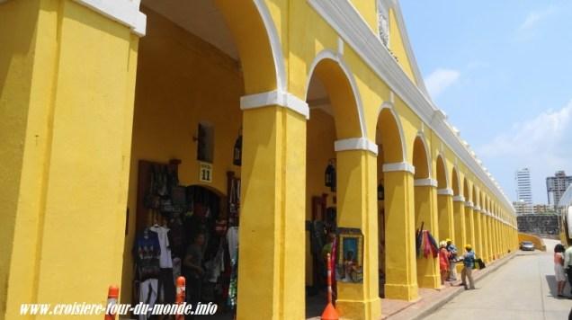 Escale à Cartagena en Colombie quartier de Las Bovedas