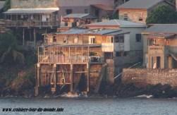 Escale à St Georges île de la Grenade maison surplombant la mer