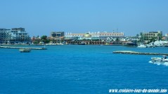 Le Costa Luminosa quitte Oranjestad Aruba