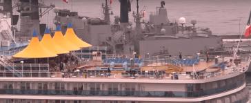 Croisière tour du monde Australe 2017 Costa Luminosa à quai au port de Valparaiso 13