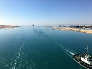 Croisière tour du monde Australe 2017 Jacques Charles passe le Canal de Suez