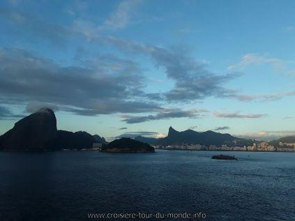 Escale à Rio de Janeiro au Brésil, entrée dans la baie.