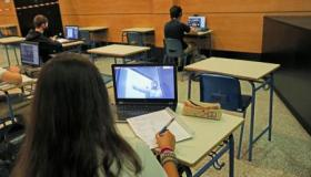 Cantabria ha cerrado este miércoles un aula más por contagios de coronavirus en un instituto de Secundaria, donde también ha establecido cuarentenas preventivas para varios grupos de alumnos. Sin embargo, […]