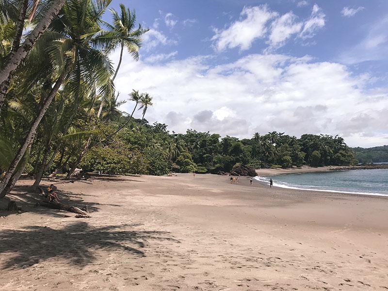 playa en bahia drake costa rica