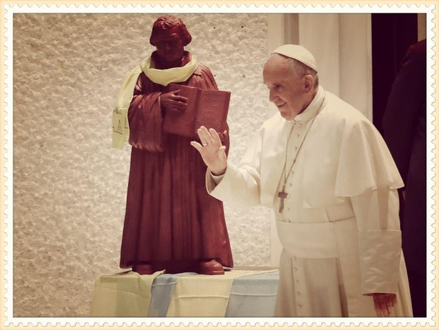 Il Newsweek domandava: il papa è cattolico?
