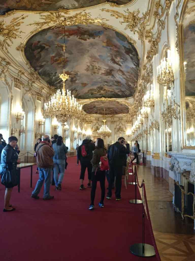 Entrada al Palacio Schönbrunn en Viena.