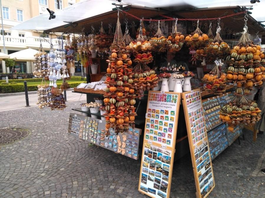 Ambientadores naturales en los mercados de Bratislava. No imagináis lo fenomenal que huelen!!