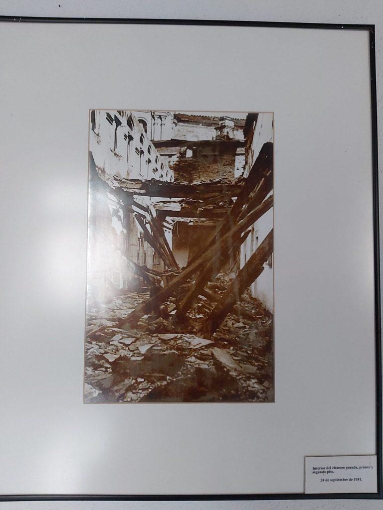 Imagen del incendio en el Monasterio de Samos.