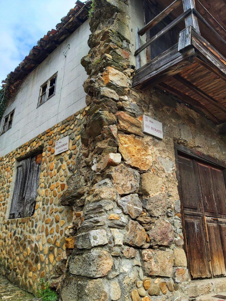 Casas de la zona vieja de Monforte.