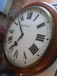 """Relógio """"Colégio London"""" de fabricação ingles, 1897, utilizado a partir do período da Estrada de Ferro Santos-jundiaí"""