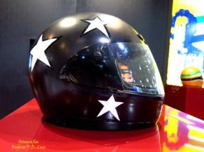 Salão Automoveis 2014 homenagem Ayrton Senna capacete Paula Fernandes (02.1)