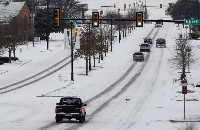 Cuarenta y siete muertos y millones sin electricidad por tormenta invernal