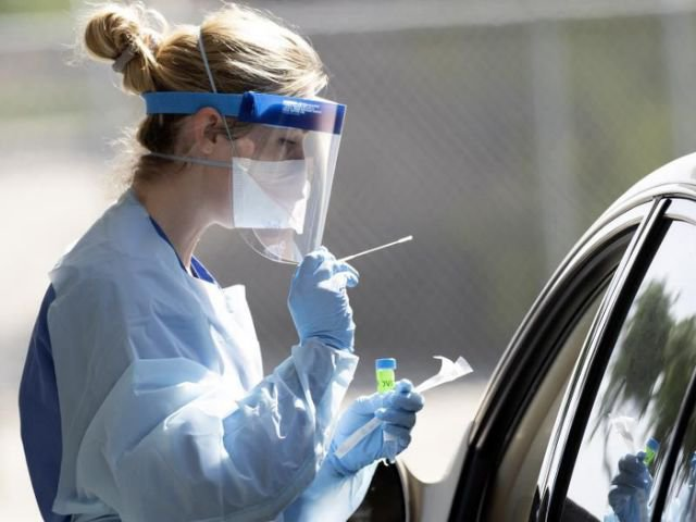 Enfermeras ven sentencia de muerte en fin de medidas anticovid en Texas