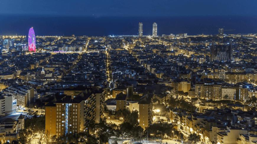 Vistas sobre la ciudad de Barcelona desde los Bunkers del Carmel