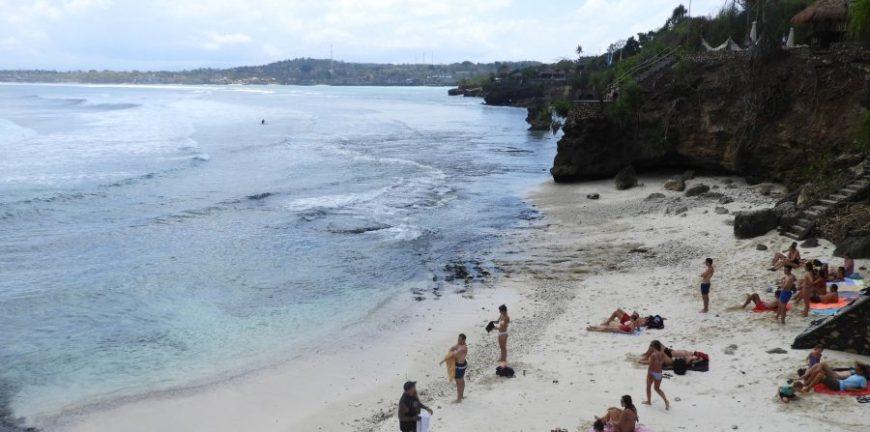 Secret Point beach Nusa Ceningan