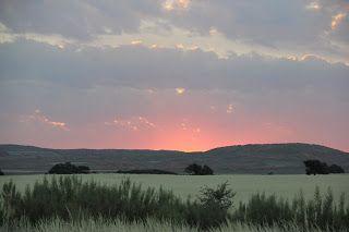 puesta de sol en el desierto