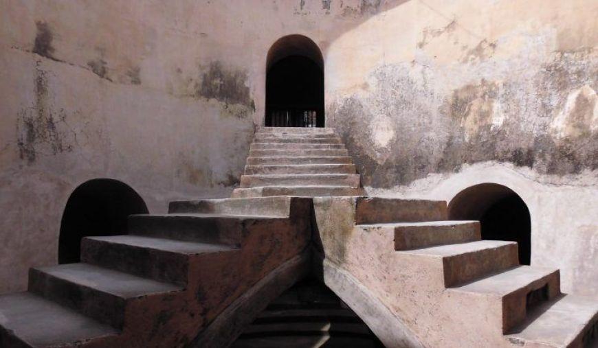 Mezquita subterranea Sumur Gumuling, uno de los imprescindibles que ver en Yogyakarta