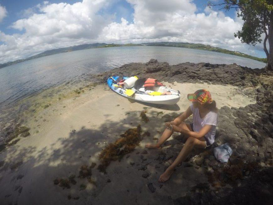 Recorrer los islotes de Robert en Kayak
