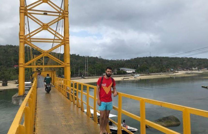 Yellow Brisdge Nusa Ceningan