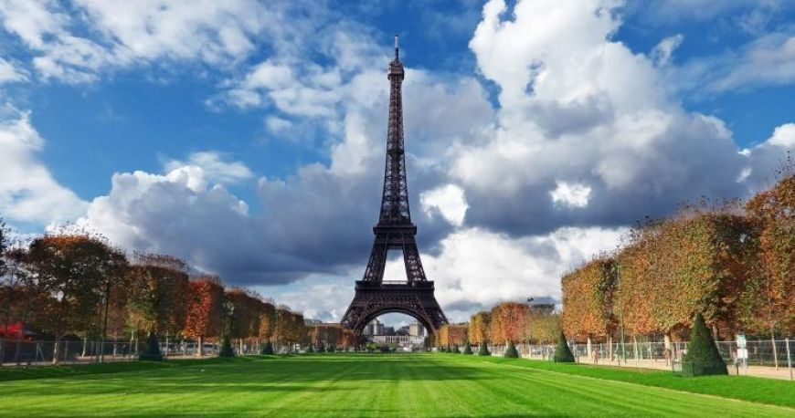Torre Eiffel desde los jardines ed Marte
