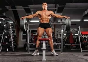 Como ganar más músculo con menos peso en el gimnasio