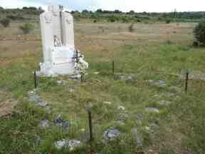 Sepulcro próximo a Venta de Orbaneja (Burgos, julio de 2014)