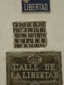 Placa conmemorativa de La Gloriosa en Béjar (Salamanca) (foto JRC, agosto 2012)