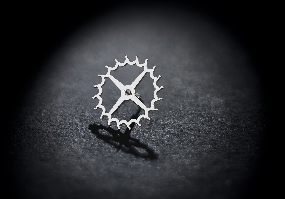 UN-118_DIAMonSIL_escapementwheel.jpg