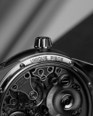 14 Only_Watch_Gronefeld_Remontoire