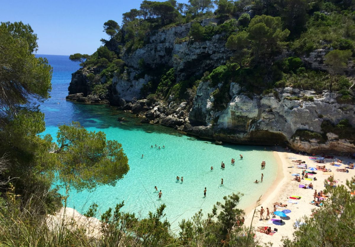 How Visiting a Nude Beach in Menorca Helps with Body Acceptance