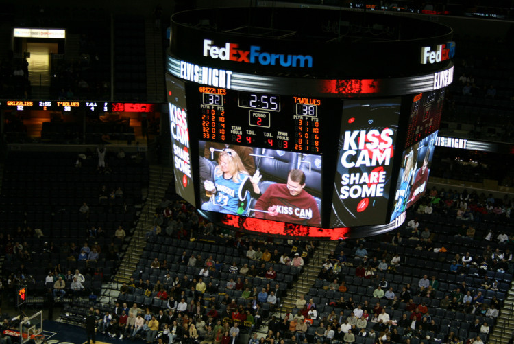 The Five Classic Kiss Cam Couples