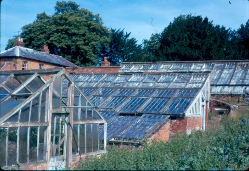 76-Head-gardeners-house-and-glasshouses