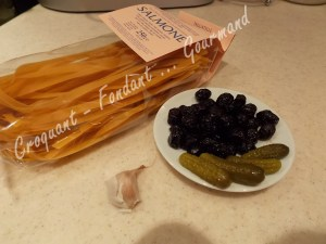 Tagliatelles au saumon, sauce aux olives noires DSCN1917_31580