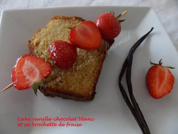 Cake vanille-chocolat blanc et sa brochette de fraise DSCN4453