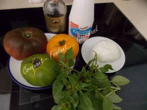 Verrines de tomates multicolores-Chantilly de mozzarella DSCN5307